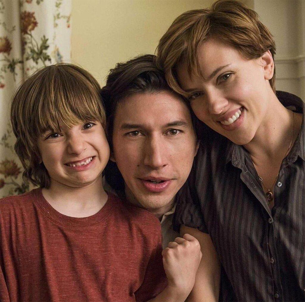 Storia di un matrimonio fra un calamaro ed una balena: Henry (Azhy Robertson), Charlie (Adam Driver) e Nicole (Scarlett Johansson)