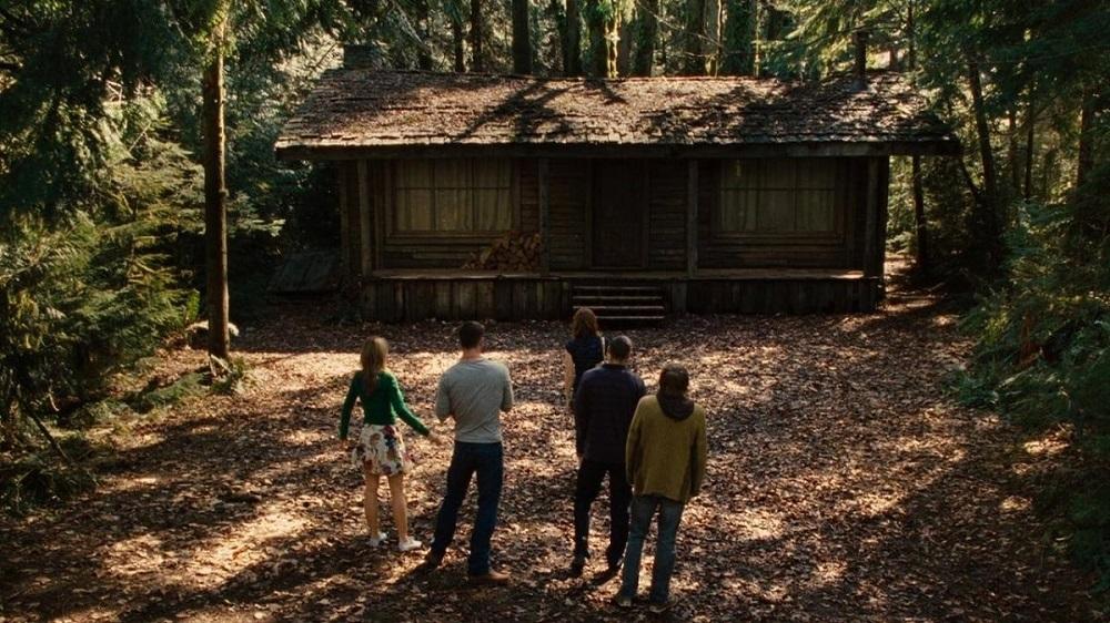 Quella casa nel bosco: un horror (in)aspettato. Cinque ragazzi in una casa nel bosco. Cosa può andare storto? Sempre tutto.